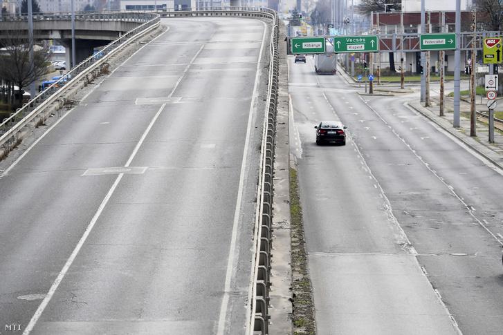 Gyér forgalom a Határ úti felüljárónál március 25-én
