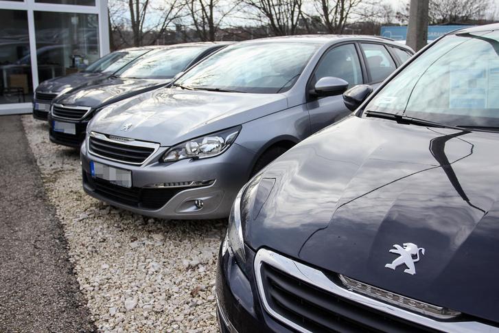 """2014-ben volt a Peugeot 308 """"Az Év Autója"""", ma ezt a használtpiaci árain nem érezni"""