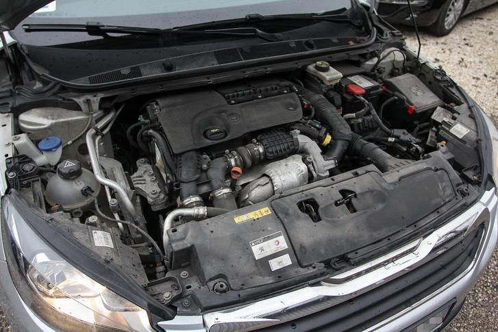 A 1,6 literes dízel Peugeot motorokról túl sok rosszat nem hallani, a megbízhatóságuk az elhasználtság függvényében változik