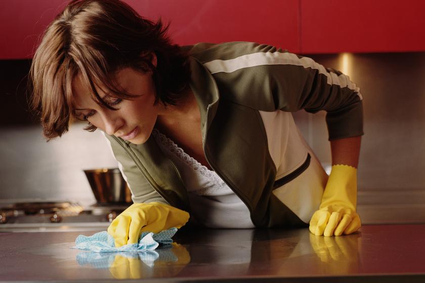 Hogyan takarít egy mikrobiológus a kritikus helyeken? Így csináld te is, ha alapos akarsz lenni