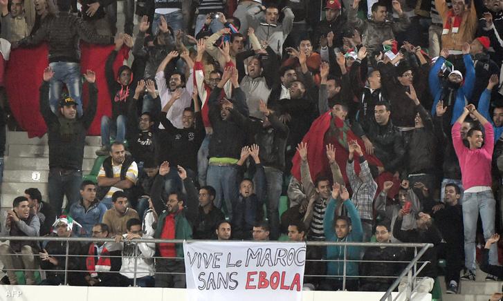Marokkói szurkolók a Marokkó és Benin közötti barátságos mérkőzésen 2014. november 13-án