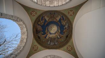 Lenyűgöző, hatalmas, szabadtéri mozaik