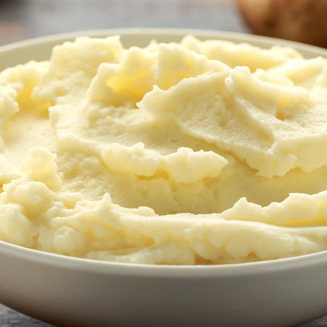 Selymes krumplipüré négyféle recept alapján – A nagyifélétől a mesterszakácséig