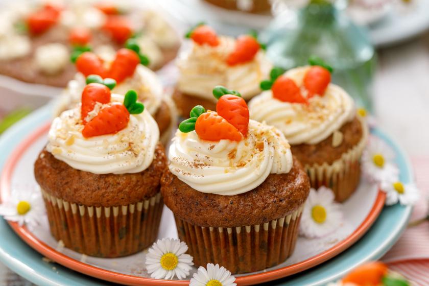 Puha, illatos mascarponés répatorta-muffin: egyszerű kevert sütiből