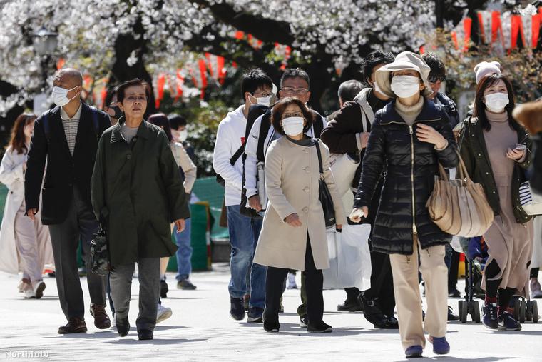 Yuriko Koike, Tokió polgármestere épp néhány napja kérte arra a városlakókat, hogy mellőzék a céltalan kimozdulást, csak akkor menjenek az utcára, ha nagyon muszáj