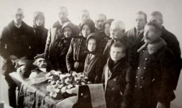 Temetés, ravatal, 1920, Kiskunhalas