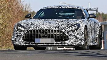 Még gyorsabb AMG sportkocsi érkezik