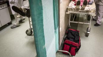 Ombudsman: Jogellenes megtiltani a fotózást a kórházakban