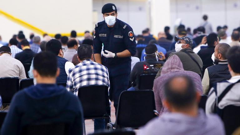Tízmillió forintba kerülhet, ha Kuvaitban tilalom idején kilépsz az utcára