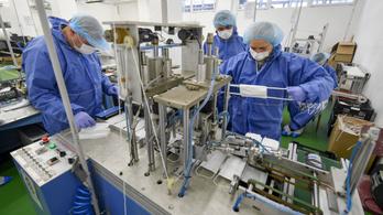 Megérkezett Törökországból az alapanyag, 6,6 millió szájmaszk gyártását kezdik meg a börtönökben