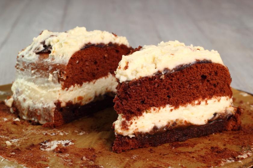 Pillekönnyű mascarponés-lekváros piskóta: könnyen torta is lehet belőle