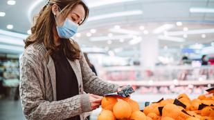 Terjed-e a koronavírus a rendelt ételekkel vagy a boltban összefogdosott gyümölcsökkel?