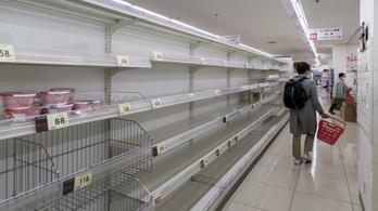 Arra kérték a tokióiakat, maradjanak otthon, erre pánikvásárlásba kezdtek