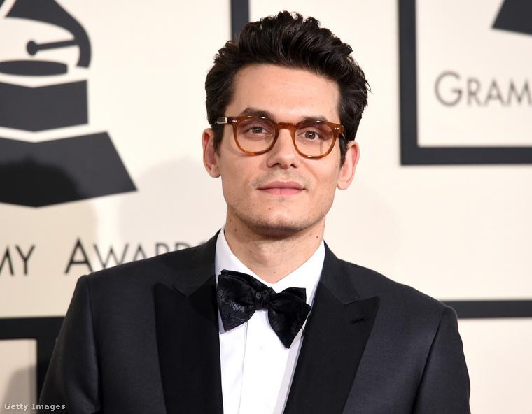 A 42 éves John Mayernek 7 albuma jelent már meg, és pontosan ennyi Grammy-djíat is spájzolhatott már el otthonában