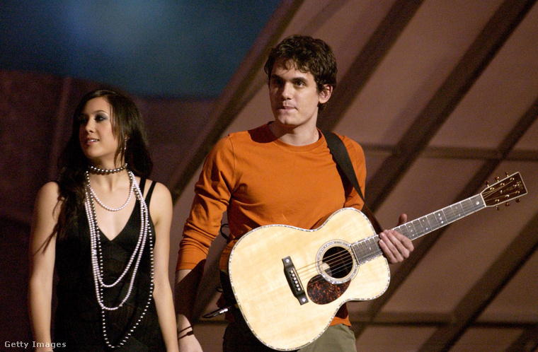 Az énekes első CD-je 2001-ben jelent meg, ekkortájt hozták hírbe Vanessa Carltonnal, akit talán már elfelejtett, mindenesetre leghíresebb számáról, A Thousand Milesról esetleg eszébe jut, ki is ő