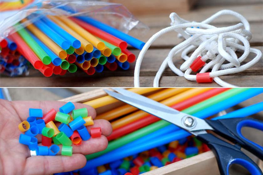 Vágjatok apróra pár műanyag szívószálat, és már lehet is felfűzni őket a cipőfűzőre. Nagyobb gyerekek játéka,akik már nem nyelik le a darabokat. 5-6 éves kortól ajánlott.
