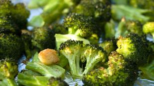 Korianderes, sütőben sült brokkoli