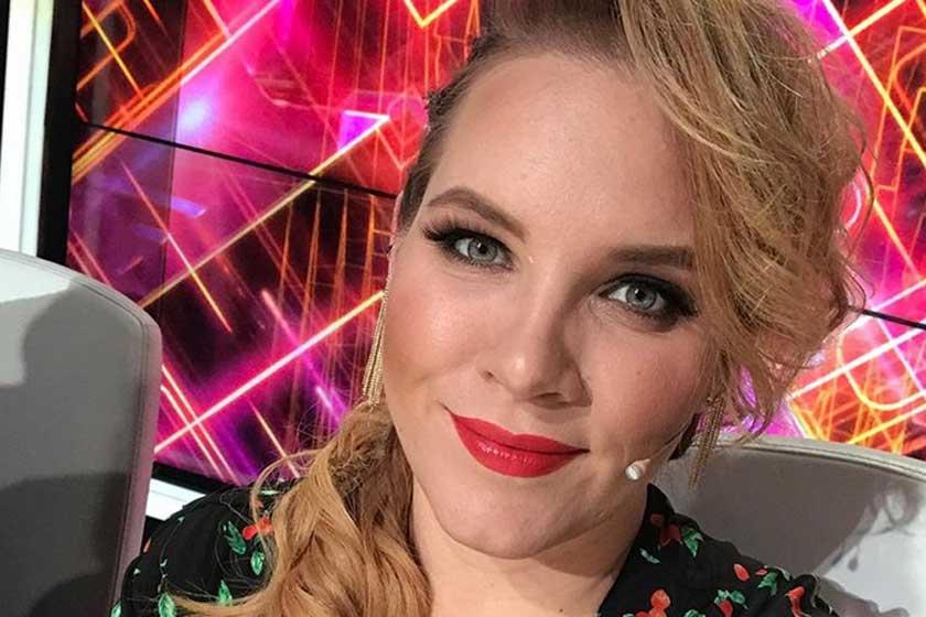 Tóth Vera vörösre festette a haját – Nagyon dögös az új hajszínnel