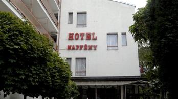 Ingyenes karantén lett egy siófoki hotelből, hogy segítsenek a külföldről hazatérő munkásoknak