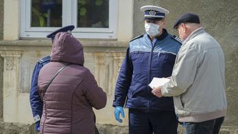 Románia a megfertőződött orvosokat is bevetné a járvány ellen