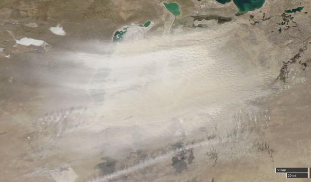 Porvihar az Aral-tó vidéke felett március 23-án