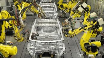Képtelen sebességgel égetik a pénzt az autógyártók