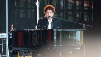 Bob Dylan nyolc év után új dallal jelentkezett