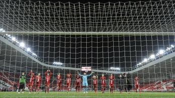 A futballisták fizetésének csökkentésére készülnek az NB I.-es klubok
