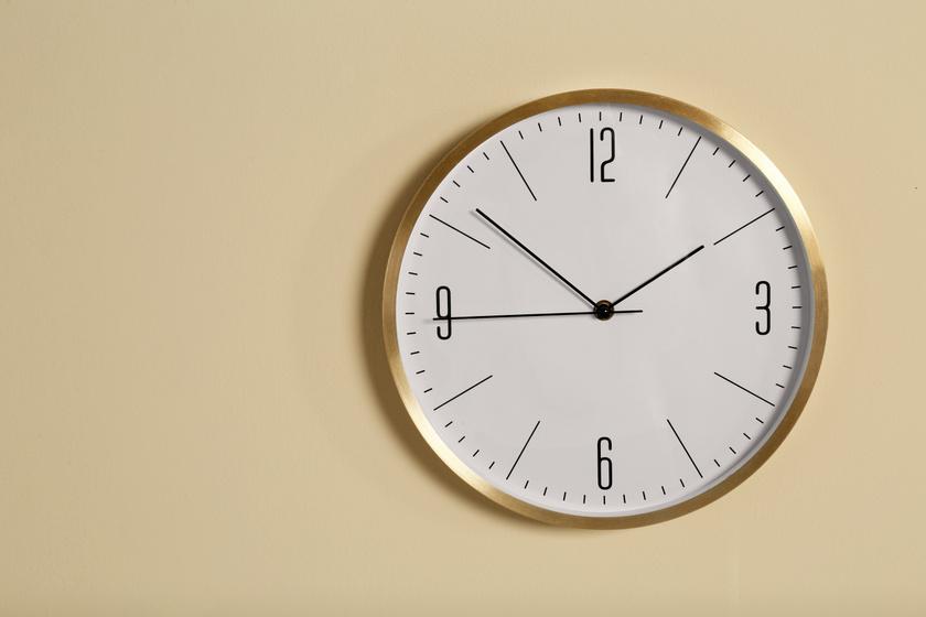Pontosan mikor kell átállítani az órákat? Vasárnap indul a nyári időszámítás