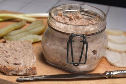 Zsírban puhára sült és cafatosra tépett hús - A kacsa rilette egyszerűen csodálatos