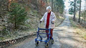 Egy 95 éves svájci nő is felépült a vírusból