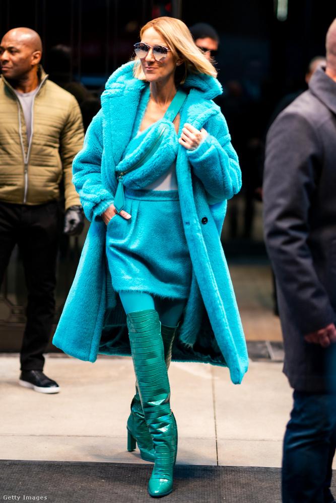 novemberben már New Yorkban volt, és jól fel is öltözött