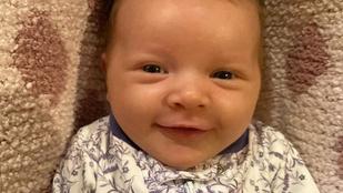 Milla Jovovich friss fotókon mutatta meg két hónapos babáját