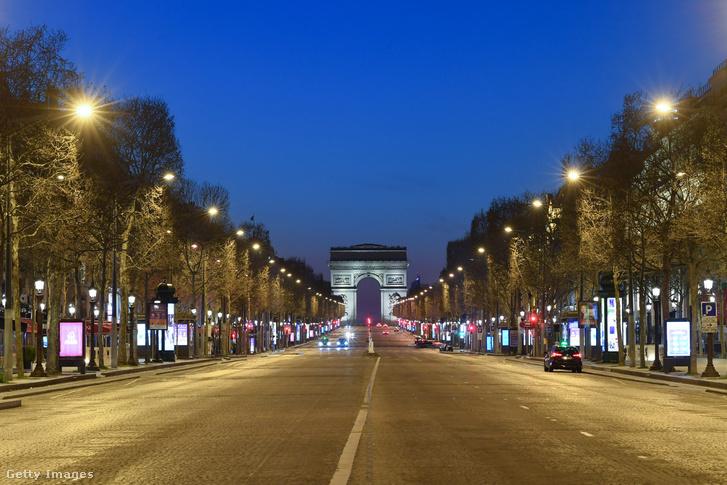 A párizsi Champs-Élysées 2020. március 25-én.