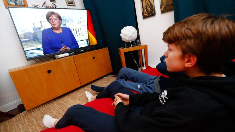 Dél-Korea módszerével állítaná meg a járványt Németország