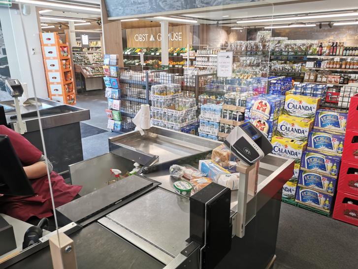 Plexilap egy élelmiszerboltban - Olvasónk fotója