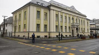 Négy hónappal meghosszabbították az Orosz Bernadettet bántalmazó férfi elleni távoltartást