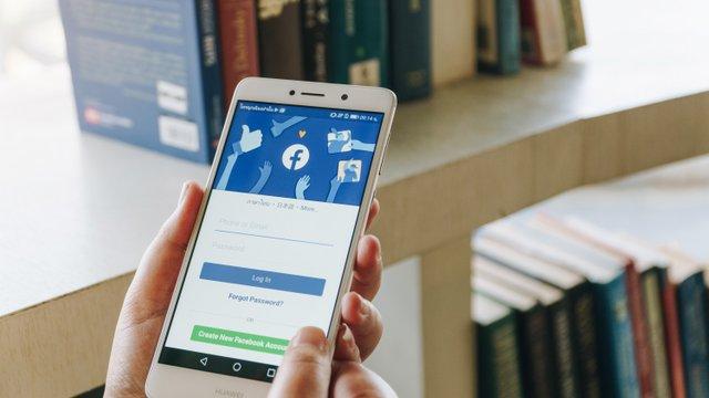 A Facebook szerepe a társadalmi megosztottságban