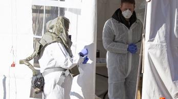 Amerikában meghalt egy egyévesnél fiatalabb koronavírusos gyerek