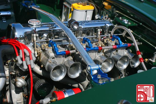 3,2 literes Rebello Racing motor, három dupla Mikunival