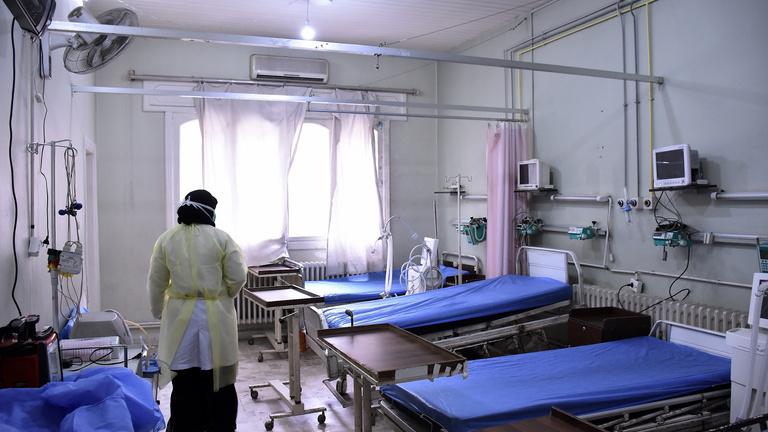 Megvan a vírus első szír áldozata, az EU teljes tűzszünetet kér