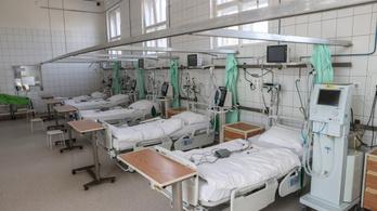 100 százalékos fizetésemelést követel az ellenzék az egészségügyi dolgozóknak