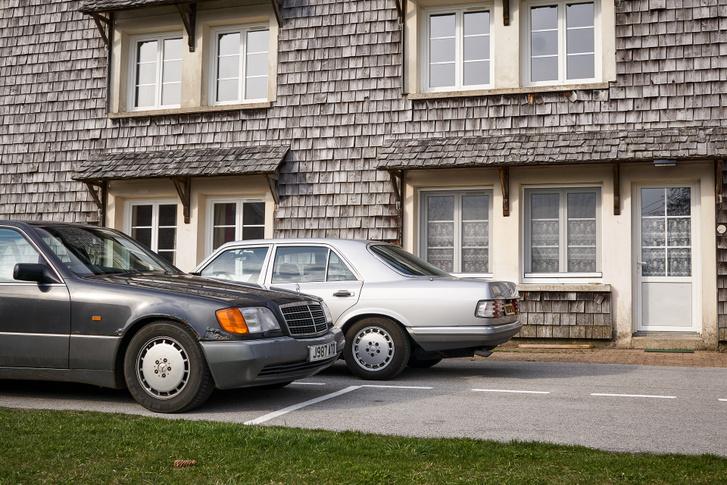 """A könnyűfém kerekek csak hasonlók, a W126 15""""-ös, a W140 16""""-os"""