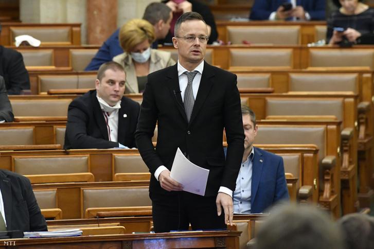 Szijjártó Péter külgazdasági és külügyminiszter napirend előtt szólal fel az Országgyűlés mai plenáris ülésén