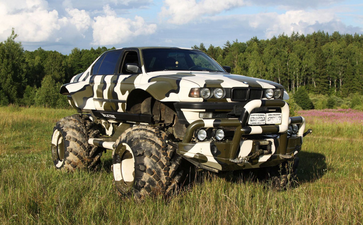 Valkyrie-766-made-from-a-BMW-7-Series-E32-and-Gaz-66-truck-7 (1)
