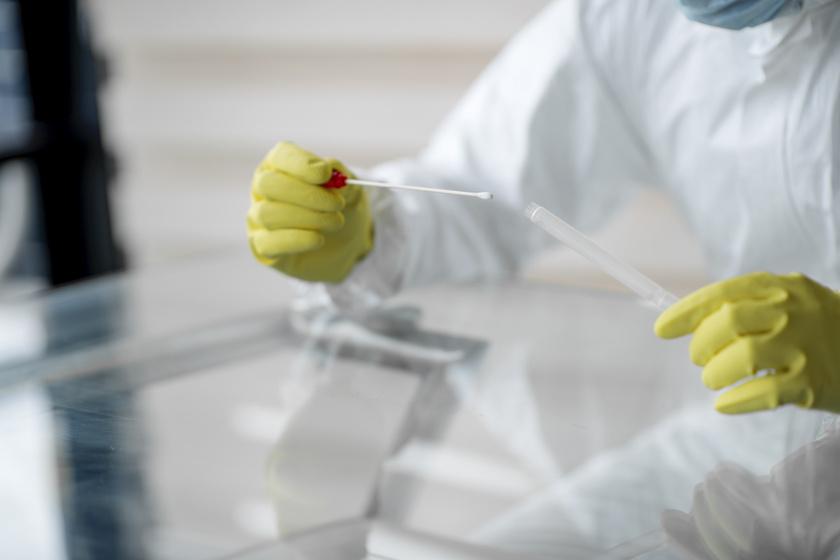Ki kerül kórházba a koronavírus miatt? Az infektológus ismertette a tényeket