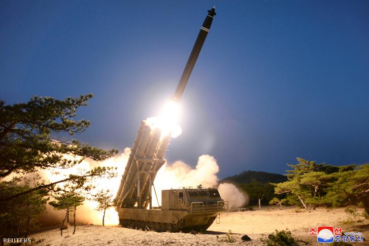 A vasárnapi rakétakísérletről kiadott hivatalos fotó