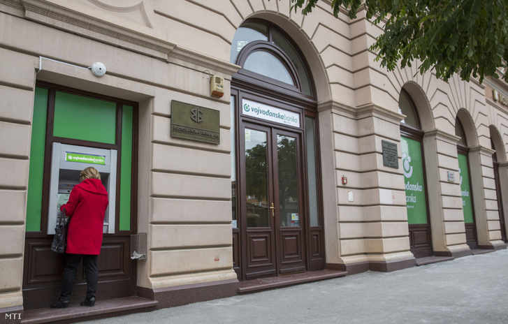 A szerbiai Vojvodjanska Banka székháza Újvidéken