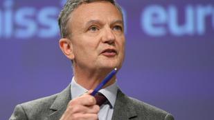 Brüsszel üzent Orbánnak: a vírus elleni fellépést nem akadályozzuk, az európai normákra figyelünk
