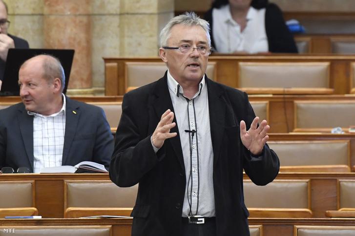 Hargitai János, a KDNP képviselője felszólal a mai ülésen